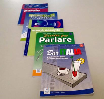 Libri di italiano che appartengono alla scuola Parola