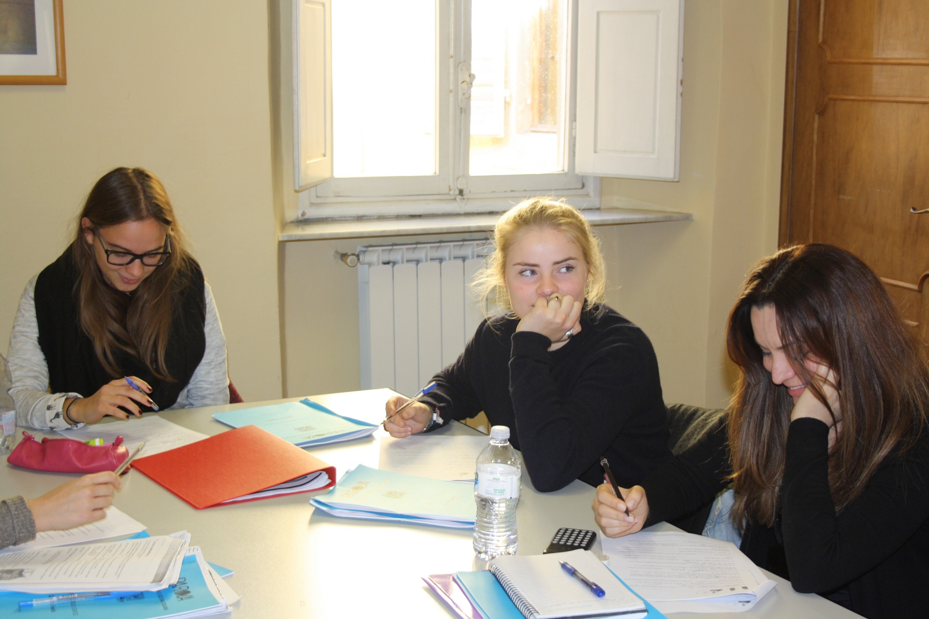 Au Pairs learning Italian in Florence at Parola school