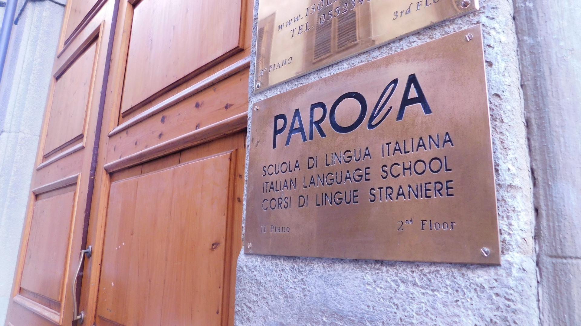 Parola school sign in Borgo Santa Croce, 4 in Florence