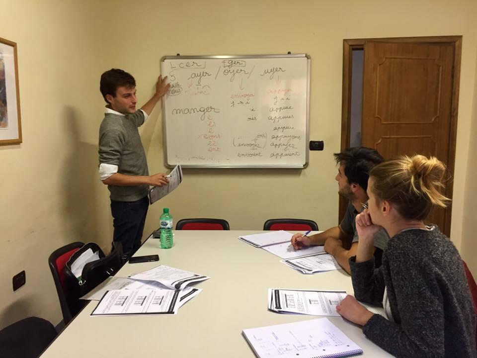Corso di francese di gruppo alla scuola Parola