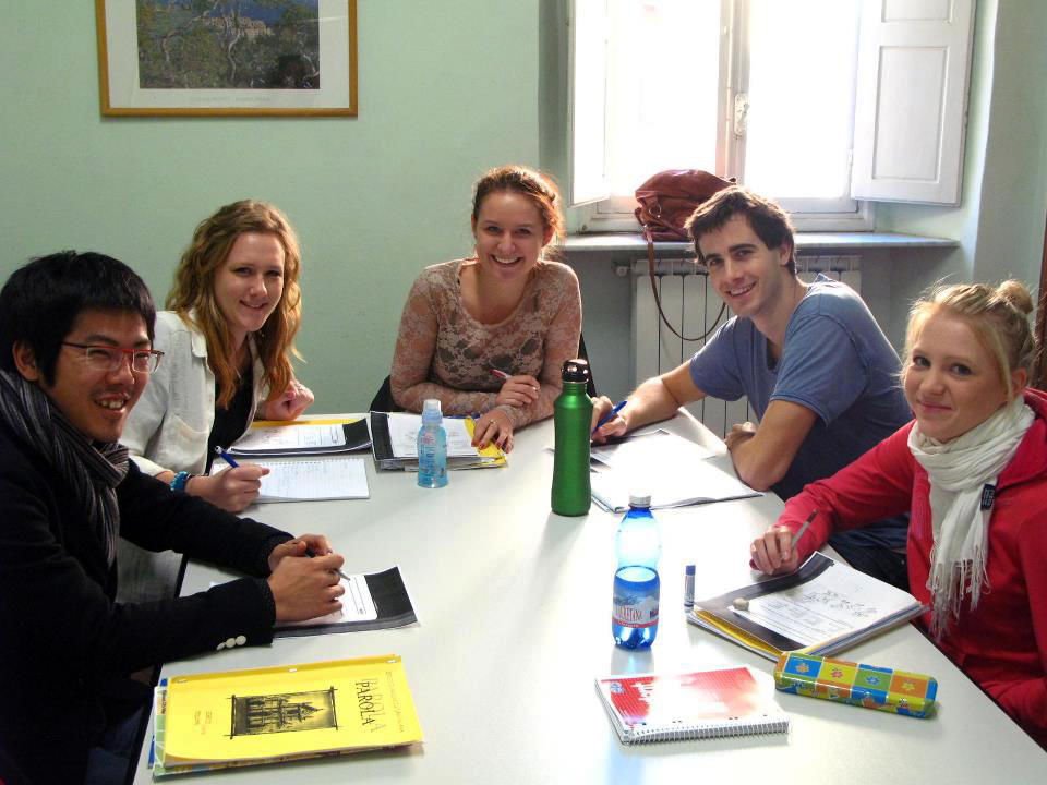 Language students learning Italian in Florence